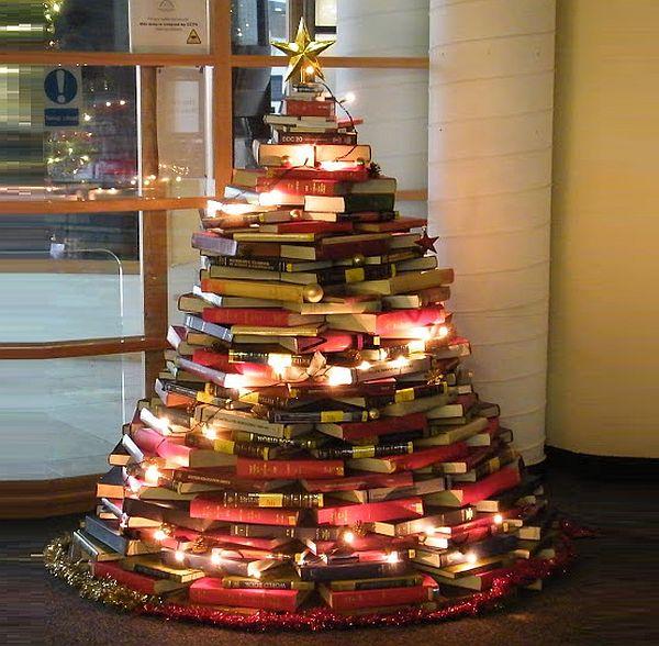 Znalezione obrazy dla zapytania book christmas tree
