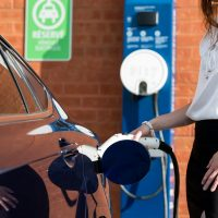 How to choose an electric car charging station