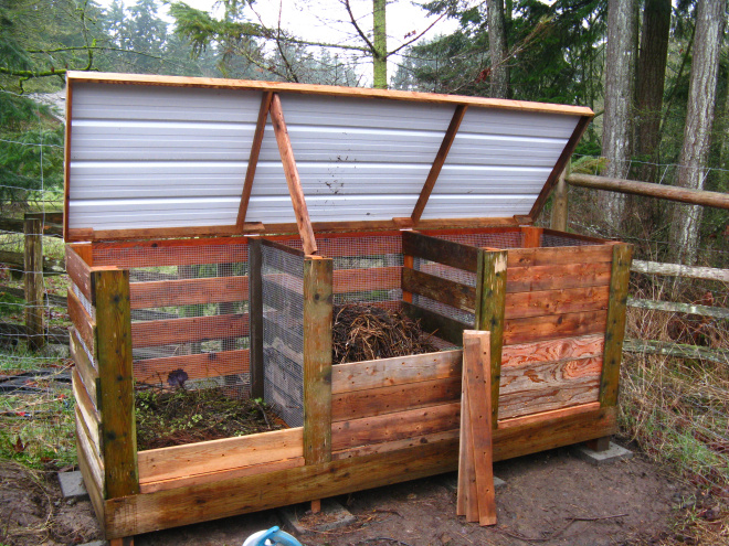 6 diy compost bins that are borderline genius. Black Bedroom Furniture Sets. Home Design Ideas