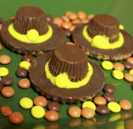 DIY homemade Pilgrim hat cookies