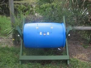 Rain barrel compost bin