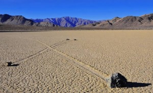 Green Living: Death Valley Sailing Stones