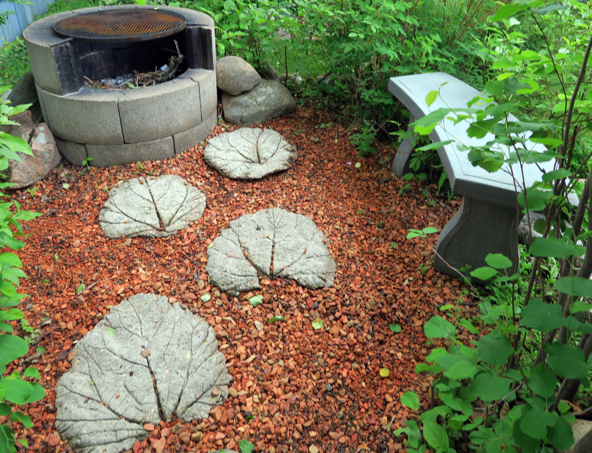 Make leaf stepping stones