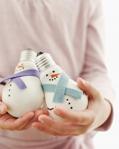 Upcycled lightbulb snowmen