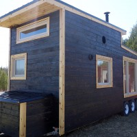 gm-tiny-house-exterior2