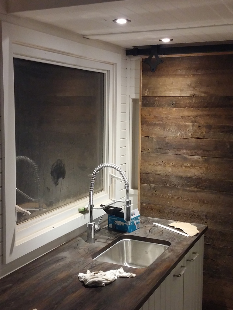 GM Tiny House Kitchen Lighting2
