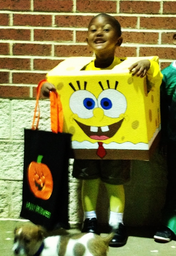 sponge bob box costume is a fun and easy diy halloween costume to make - Halloween Box Costumes