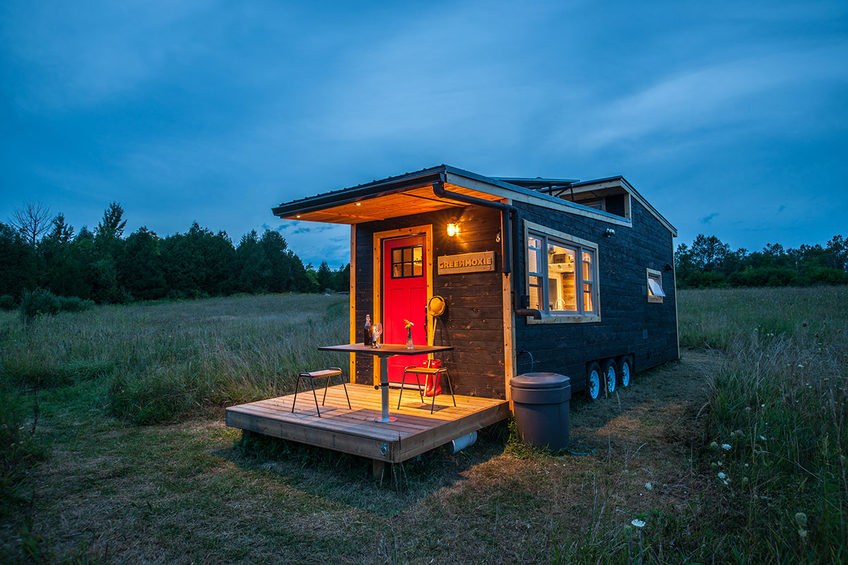 tiny-house-right-side